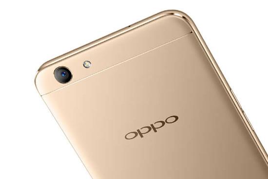 -46 国内众手机品牌里,OPPO和vivo在线下的盈利能力几乎无人可及,仅一个R9系列就在极短时间内为OPPO获得了非凡出货量,堪称2K5-3K这一价位区间的奇迹。 此外,OPPO也在继续发力中端市场,...